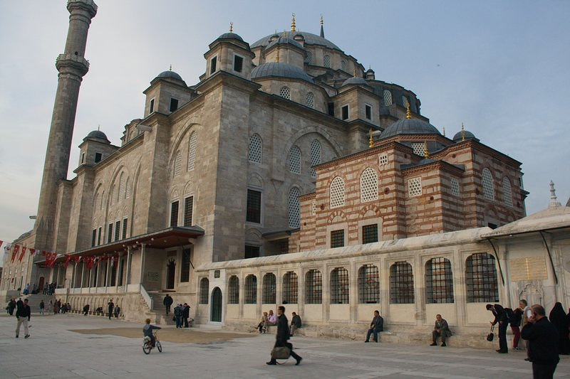 http://traveledearth.com/wp-content/gallery/istanbul/_MG_4566_01.jpg