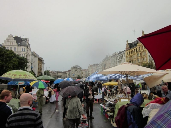 Vienna Flohmarkt (Flea market)